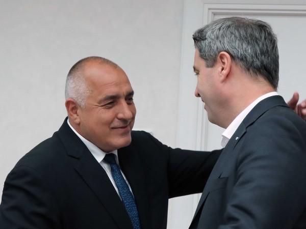 Премиерът Бойко Борисов обяви, че съжалява за оставката на британския