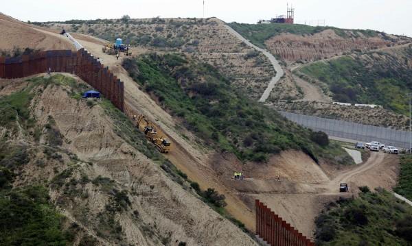 Съдия от Калифорния блокира проекта за оградата с Мексико