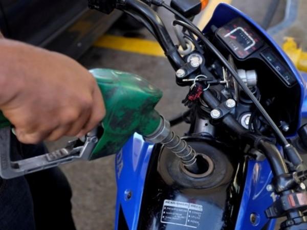 Масовият бензин А 95 е поскъпнал драстично от началото на
