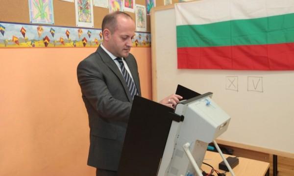 Радан Кънев доволен: ГЕРБ вече има алтернатива