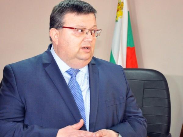 Главният прокурор Сотир Цацаров е внесъл във Върховния касационен съд
