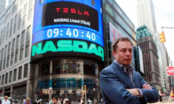 За да не се провали, Tesla трябва да прибегне към реклама