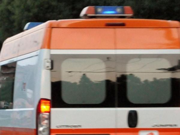 Мъж на около 40 години е бил ударен от мълния