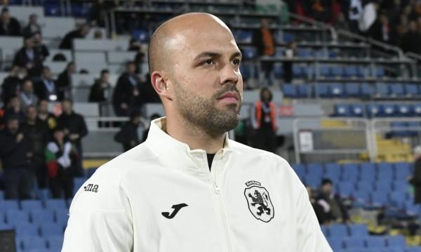 Ники Михайлов подписа, остава в Левски до 2021 г.