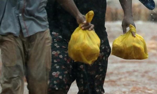 Танзания забрани напълно найлоновите торбички