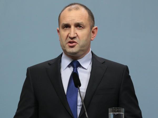 Съвременните българи имаме тежък дълг към онези безсребърници, които изгладуваха