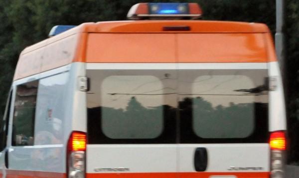 Мотоциклетист без книжка се заби в шахта и загина