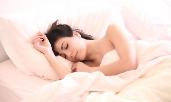 Защо ни е трудно да станем от леглото сутрин?