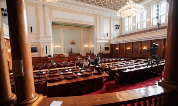 Сметната палата подхвана партиите за надвзетите субсидии