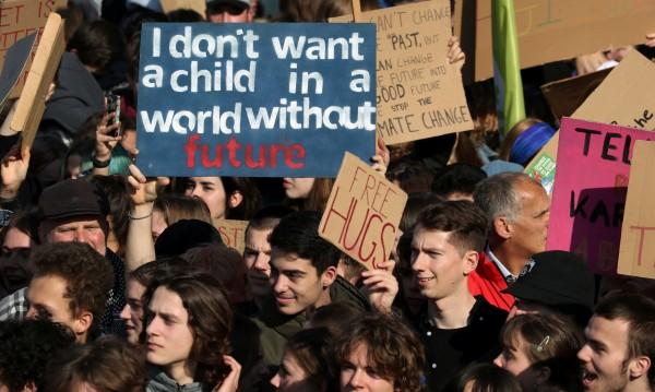 Задължават ученици в Белгия да ходят на походи на еколозите