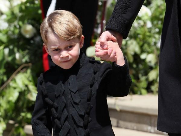 Поклонниците на британското кралско семейство с интерес следят историите за