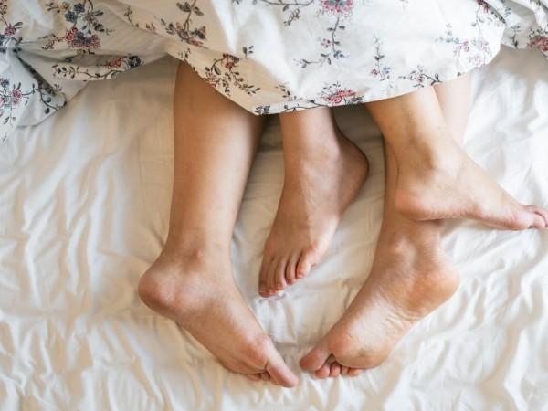 Воденето на редовен сексуален живот помага за освобождаване на хормони,