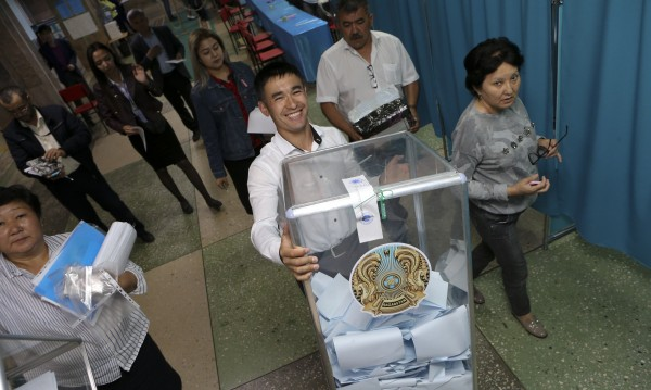 Токаев води на изборите в Казахстан, получава 70%