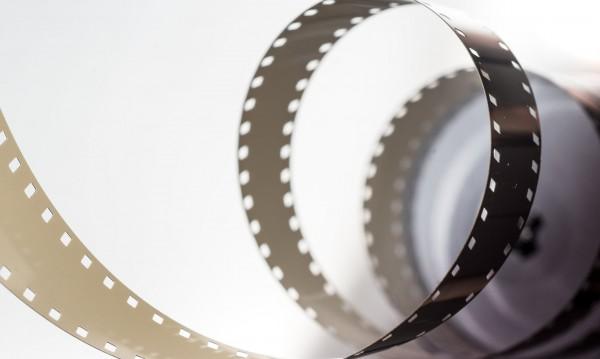 Кариерата в киното - около година: Малцина стават звезди