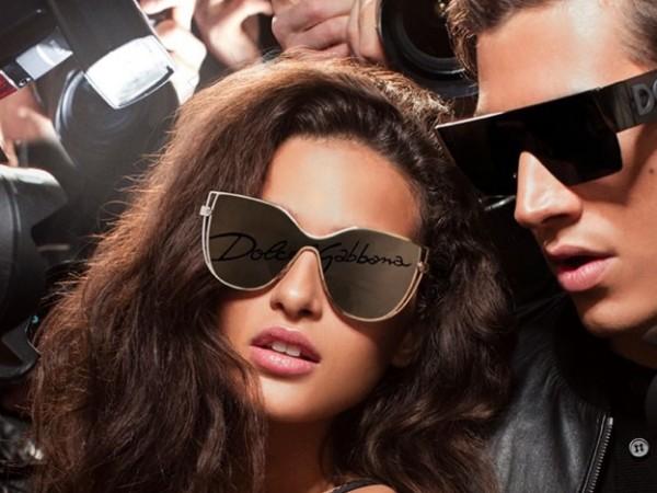 Освен чантите, слънчевите очила са тези аксесоари, които носим целогодишно.Сменяме