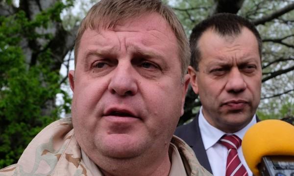Каракачанов тръпне: До седмица идва официалната оферта за F-16!