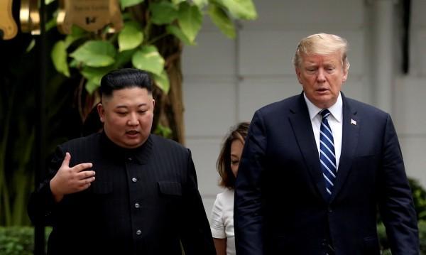 """Тръмп се похвали: Получил """"прекрасно писмо"""" от Ким Чен-ун"""