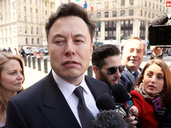Акционерите на Tesla продължават да подкрепят Илон Мъск. Те доказаха
