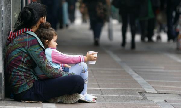 Децата роби в Гърция – над 500 работят нелегално в Солун