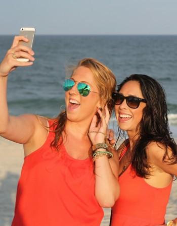 С телефон на плажа - за какво да внимавате?