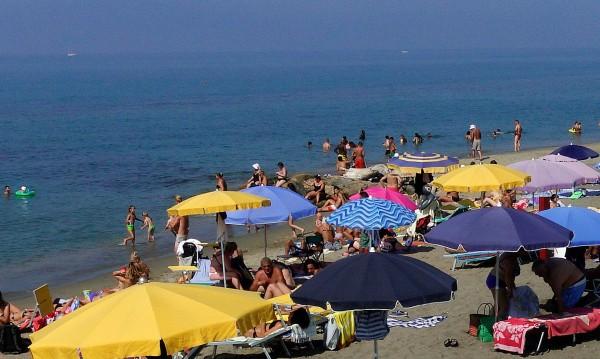 В Италия искат по 100 евро за сянка на плаж