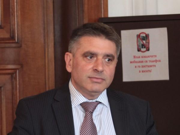 Правосъдният министър Данаил Кирилов обяви, че ще подаде оставка, ако