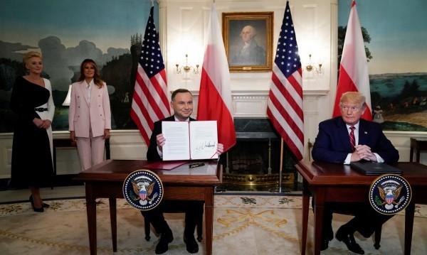 Ще отпаднат ли визите за поляци, ако купят изтребители от САЩ?