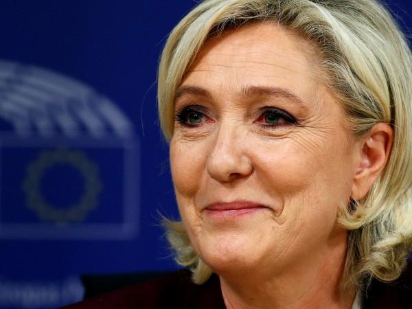 Снимка: Евроскептиците в ЕП се обединиха, стават пета сила