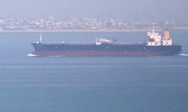 Няма данни за българи в атакуваните в Оманския залив танкери