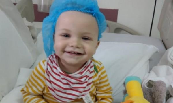 Бебето Джони – едва на година, а с мозъчен тумор. Надежда има!
