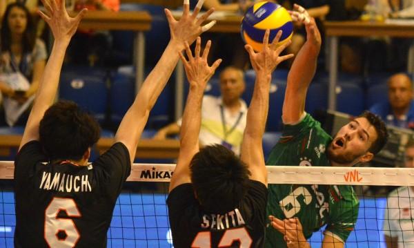 Волейболистите ни загубиха от Япония с 2:3 на родна почва
