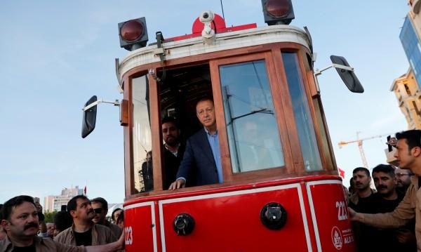 Кметската битка за Истанбул: Какви са плановете на Ердоган?