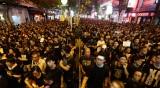 Хонконг не се отказва – въпреки насилието, хиляди протестират