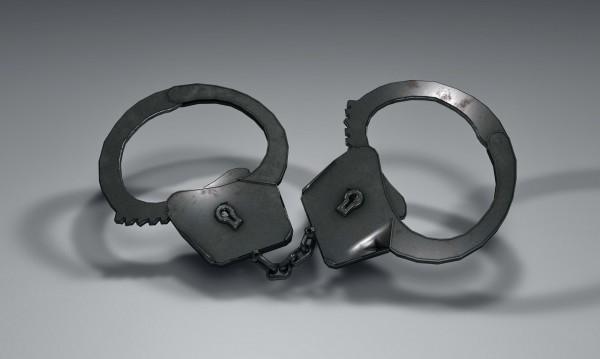 Шестима са задържани, докато разкомплектовали краден МАН