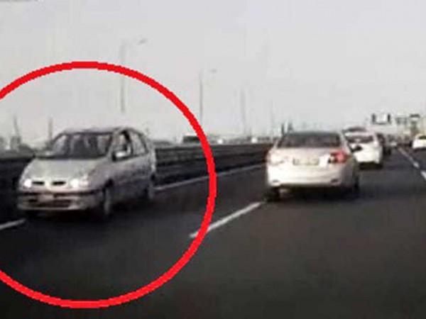 46-годишен български шофьор кара 6 км в насрещното движение на