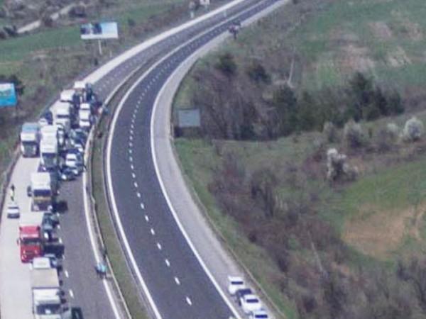 Днес ремонти по двете основни магистрали ще забавят движението. Ремонт