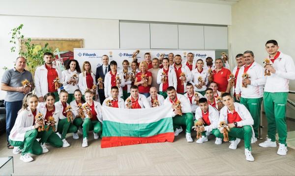 Fibank изпрати спортистите за Европейските игри в Минск с лъвчета за късмет