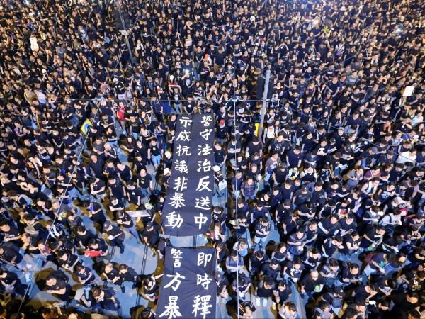 Протестите в Хонконг и отстъплението на местните власти са едно