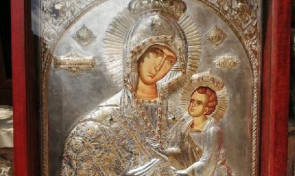 Чудотворна икона ще чуе молитвите на миряните в Банско