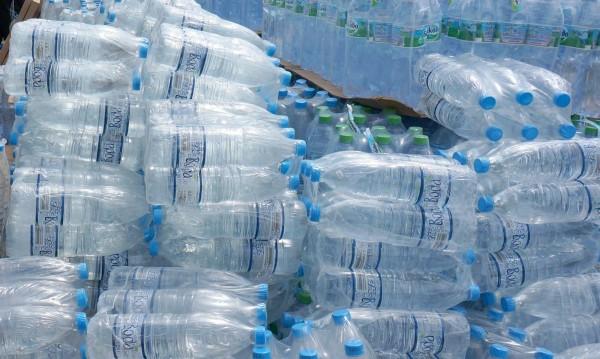 Вода и консерви от държавния резерв за хората в Стрелча