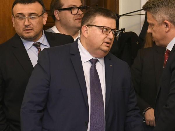 Главният прокурор Сотир Цацаров внесе в Прокурорската колегия на ВКК