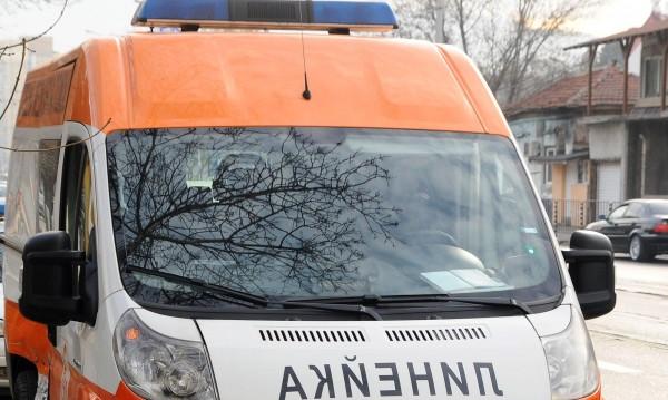 Мъж загина, а четирима пострадаха при катастрофа в Благоевградско