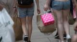 """Призиви във Великобритания за данък върху """"бързата мода"""""""