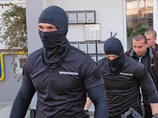 Спецакция се извършва от Специализираната прокуратура и ГДБОП в Берковица.