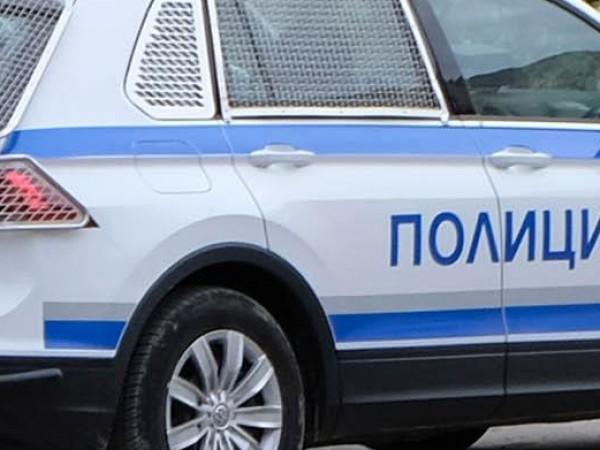 Четирима маскирани са откраднали 113 мобилни телефона от голяма търговска