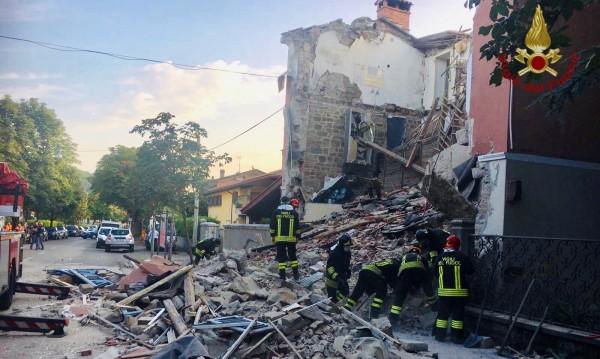Двама загинаха, трети се издирва след взрив в къща в Италия
