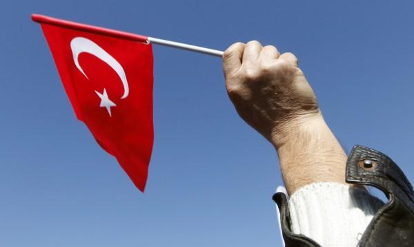 Доживотна присъда за 17 души за опита за преврат в Турция