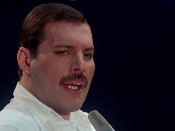 Фреди Меркюри умира през 1991 година, но неговите фенове все