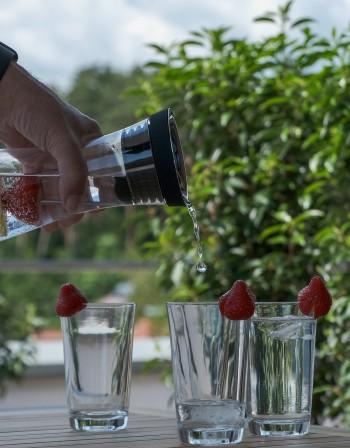 Как да поддържате бутилката за вода чиста?