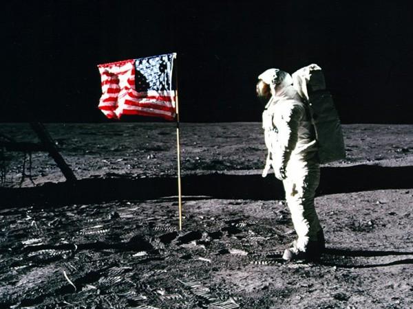Нийл Армстронг бил един от най-успешните пилоти на НАСА. След